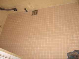 浴室床タイル貼替え後